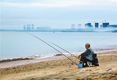 """""""西安市老龄产业协会会长王明华表示:""""并非所有老人都适合旅居养老."""